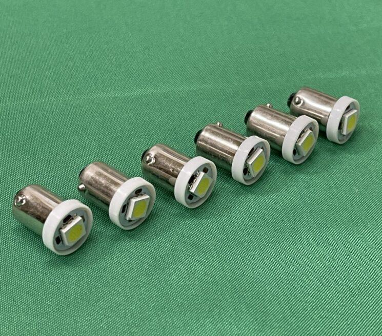 メーター(水温、アンメーター、燃料、オイルプレッシャー、タコメーター、スピードメーター用)専用LED球